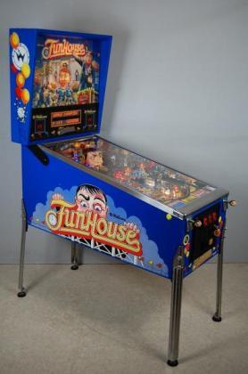 Fun house pinball machine in Durbanville, Western Cape
