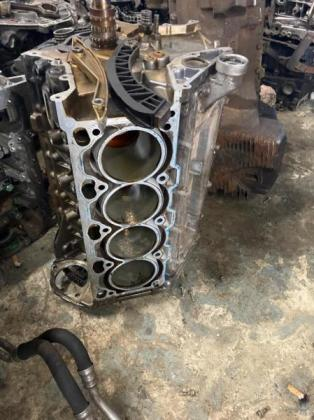 HUNTERS FITMENT ENGINE BLOCKS IN STOCK NOW in Selby, Gauteng