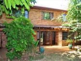 4 Bedroom Pet Friendly House To Let in Hatfield Pretoria East