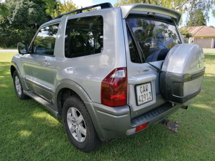 2005 Mitsubishi Pajero 3-Door 3.8 GLS For Sale