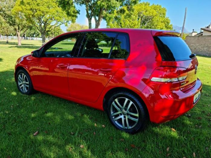 2011 Volkswagen Golf 1.6TDI Comfortline Auto For Sale in George, Western Cape