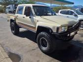 Toyota Hilux SFA  LEXUS V8