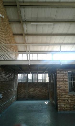 118 sqm Warehouse/Factory to rent in Krugersdorp, Gauteng