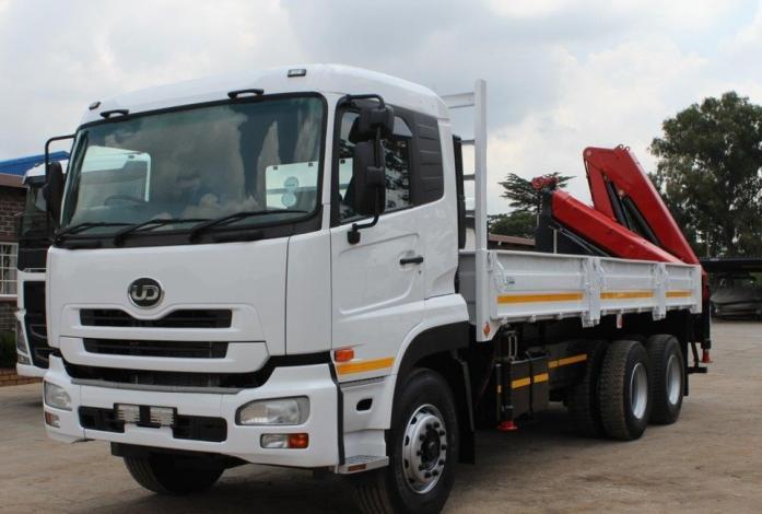 Nissan UD 330 WF Crane Truck Rigid in Upington, Northern Cape