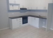 Clean 2 bedroom apartment in Kenilworth for rent