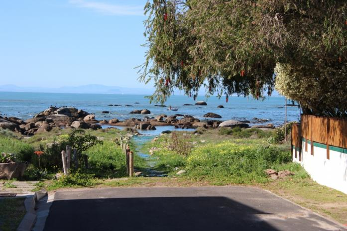 3 Bedroom Cottage for Sale in St Helena Bay, Western Cape