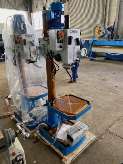 Drill, Gear Head Drilling Machine, Capacity: 30mm, Brand New in Germiston, Gauteng