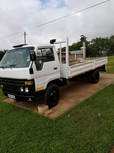 toyota dyna dropside in Pongola, KwaZulu-Natal